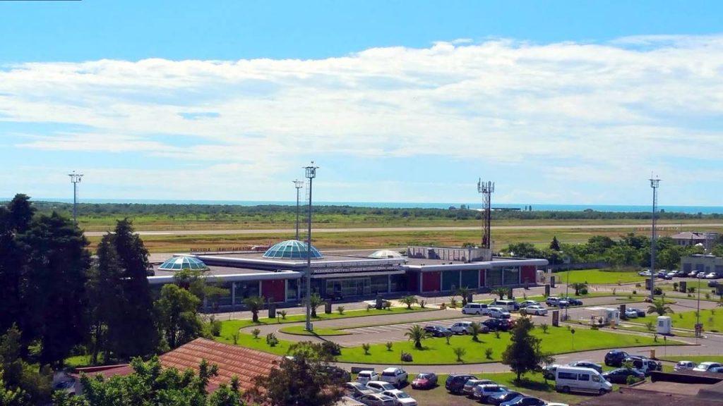 Здание аэропорта и его территория, Международный аэропорт Батуми, Грузия