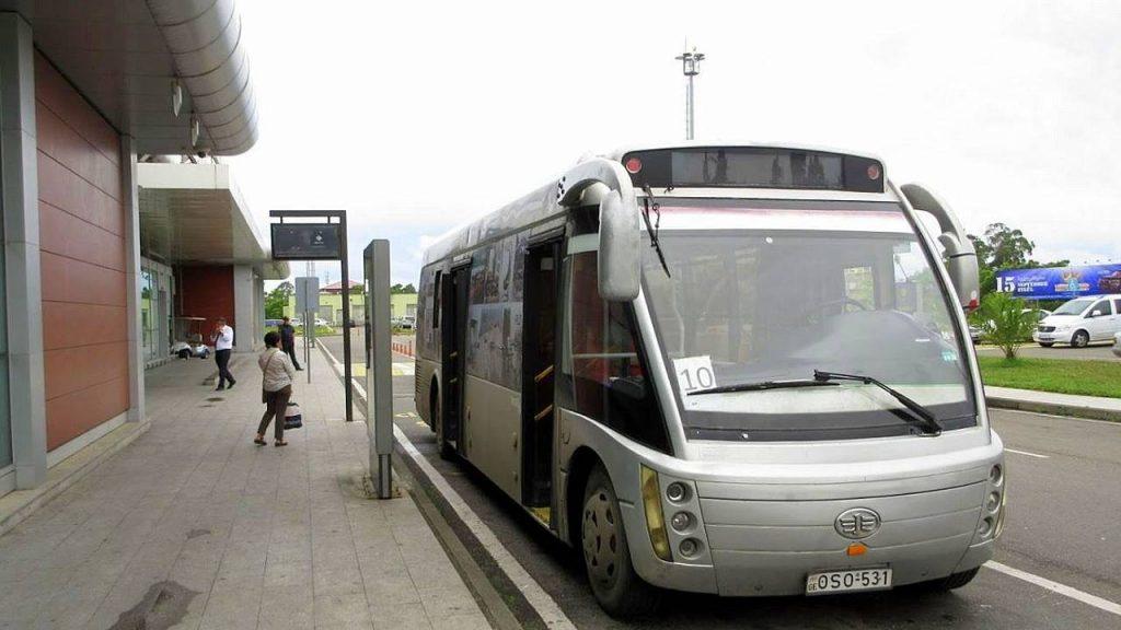 Автобус из аэропорта в центр Батуми, Международный аэропорт Батуми, Грузия
