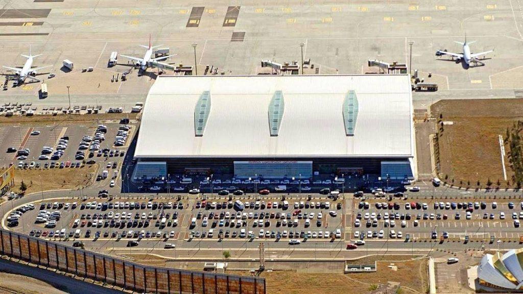 Вид на территорию аэропорта сверху, Аэропорт Тбилиси, Грузия
