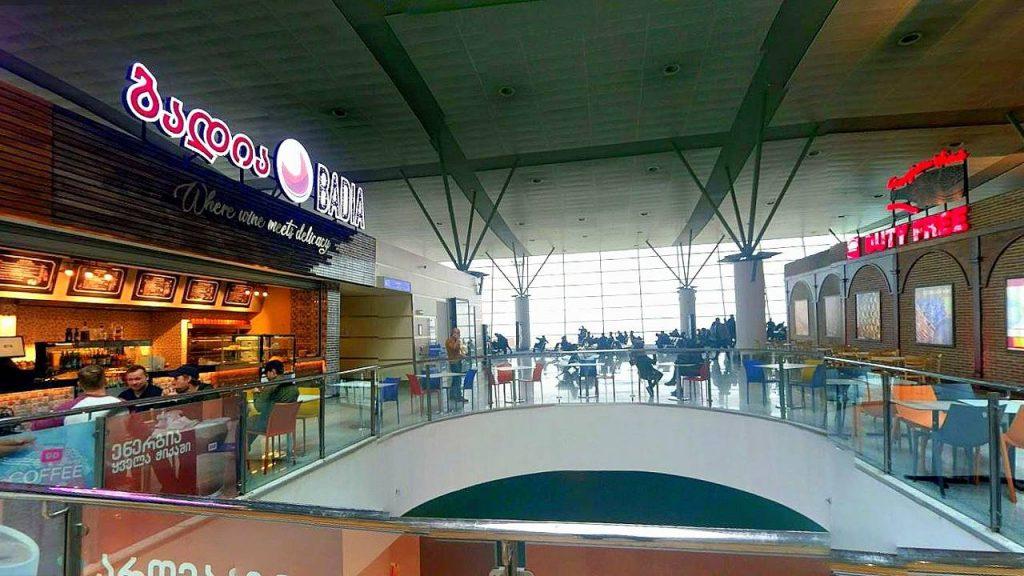 Общий вид зала ожидания, Аэропорт Тбилиси, Грузия