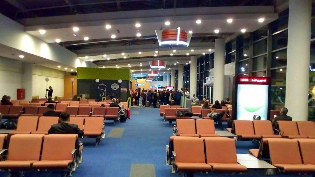 Места в зале ожидания, Аэропорт Тбилиси, Грузия