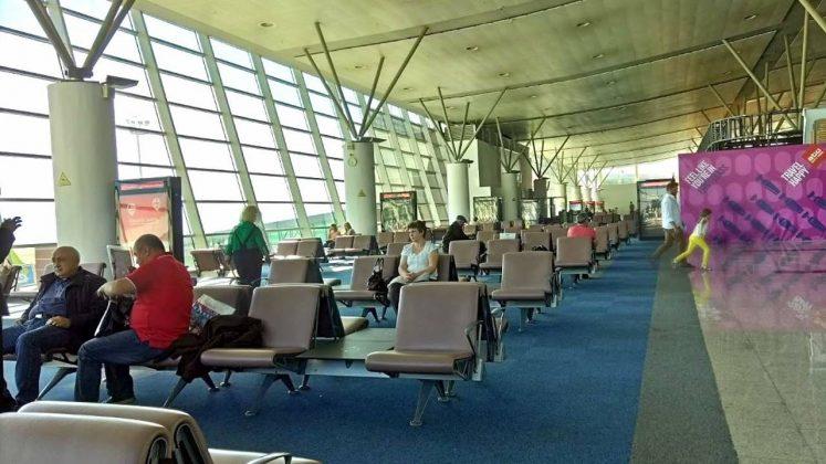 Места для ожидания вылета, Аэропорт Тбилиси, Грузия