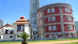 Здание с саунами и банями, Аквапарк, Батуми, Грузия