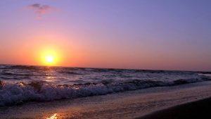 Закат на Черном море, городской пляж, Батуми, Грузия