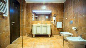 Ванная люксов, Colosseum Marina Hotel, Батуми, Грузия