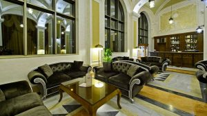 Холл отеля для отдыха гостей, Colosseum Marina Hotel, Батуми, Грузия