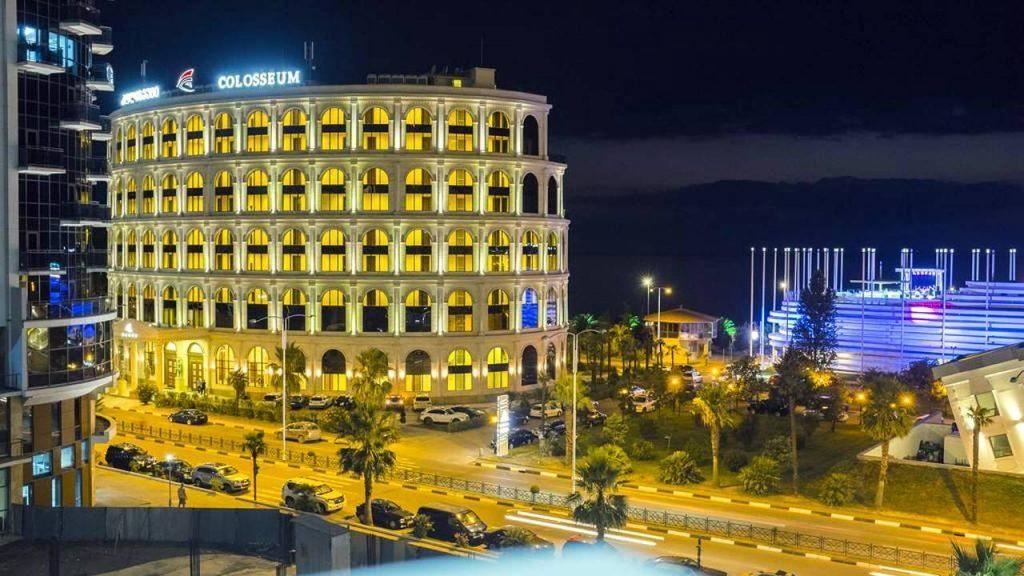 Вид на отель со стороны дороги, Colosseum Marina Hotel, Батуми, Грузия