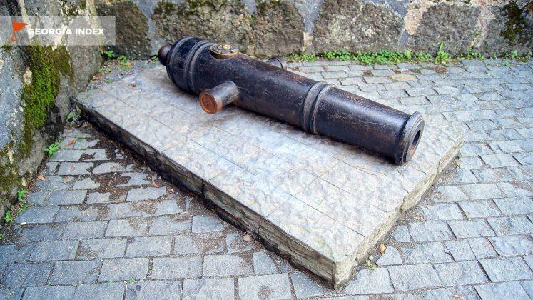 Старинная пушка, Крепость Гонио, Грузия