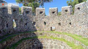 Одна из башен крепости, Крепость Гонио, Грузия