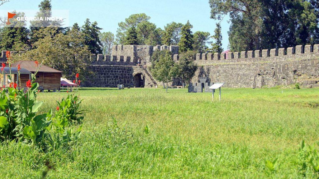 Стены крепости Гонио, Крепость Гонио, Грузия