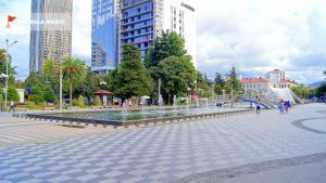 Поющие фонтаны днем, поющие фонтаны, Батуми, Грузия