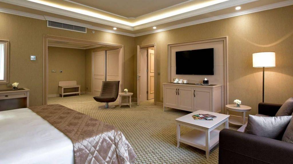 Однокомнатный люкс Junior Suites, Отель Divan Suites Batumi, Батуми, Грузия