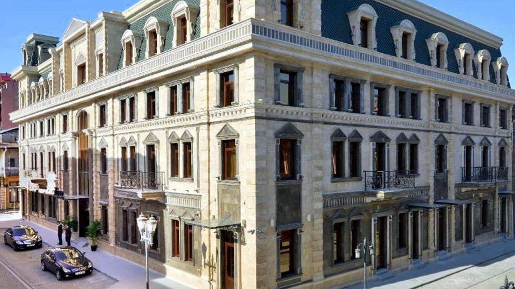 Здание отеля Divan Suites Batumi, Батуми, Грузия