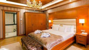 Спальня номера Penthouses Tower Suites, Отель Divan Suites Batumi, Батуми, Грузия