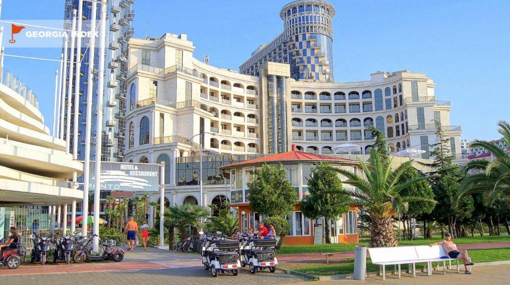 Общий вид на отель, Colosseum Marina Hotel, Батуми, Грузия
