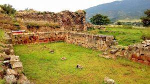 Руины Шестиколонного зала года Армази, Мцхета, Грузия
