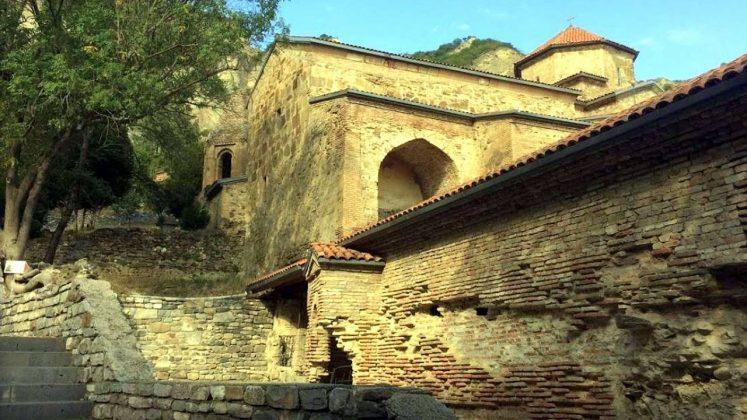 Стены Шио-Мгвимского монастыря, Мцхета, Грузия