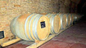 Грузинский способ хранения вин в Шато-Мухрани, Мцхета, Грузия