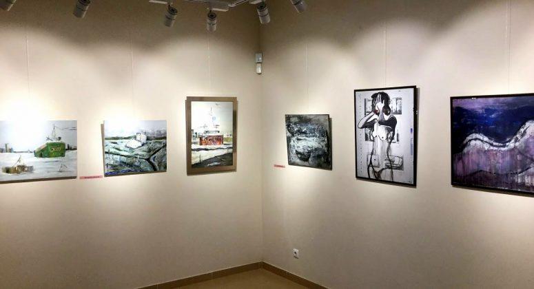 Картины в музее искусств, музей искусств Аджарии, Батуми, Грузия