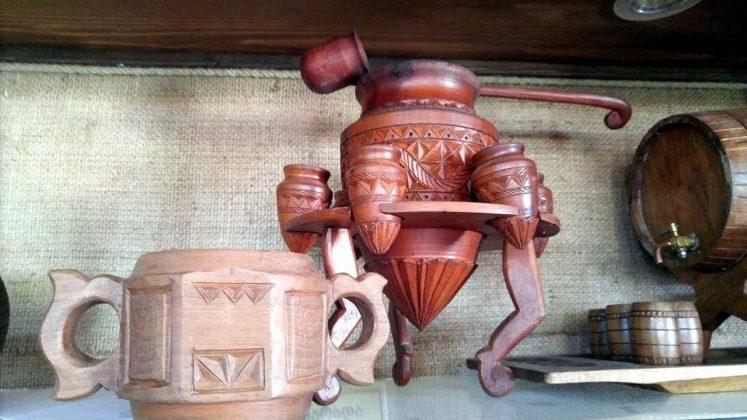 Изделия из дерева, Этнографический музей Борджгало, Батуми, Грузия