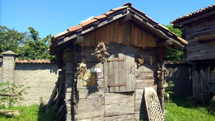Хозяйственные постройки, Этнографический музей Борджгало, Батуми, Грузия