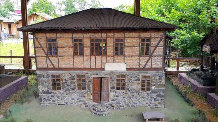 Макет домов зажиточной семьи, Этнографический музей Борджгало, Батуми, Грузия