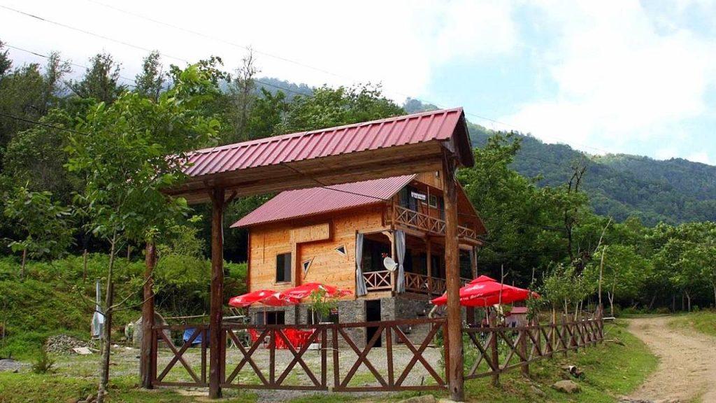 Кафе на территории парка, Национальный парк Мтирала, Батуми, Грузия