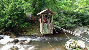 Переправа через реку, Национальный парк Мтирала, Батуми, Грузия