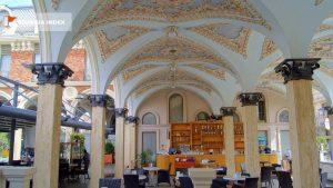 Роспись арочных проходов к площади, площадь Пьяцца, Батуми, Грузия