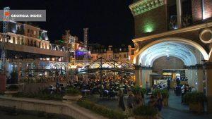 Вечернее обстановка на площади Пьяцца, площадь Пьяцца, Батуми, Грузия