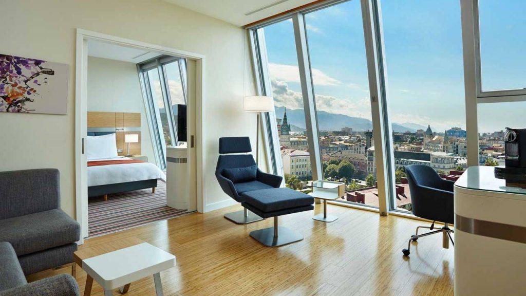 Номер Suite с гостиной, Radisson Blu Batumiotel, Батуми, Грузия