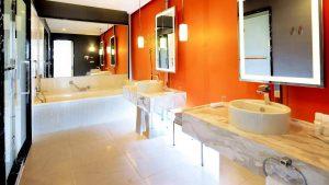 Ванная номеров повышенной комфортности, Radisson Blu Batumiotel, Батуми, Грузия