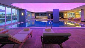 Крытый бассейн внутри отеля, Radisson Blu Batumiotel, Батуми, Грузия