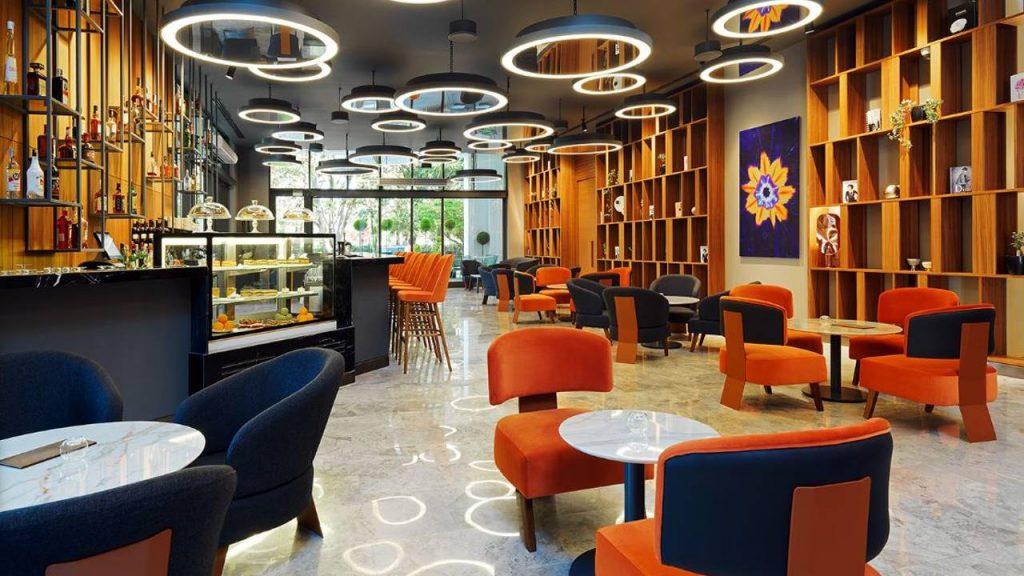 Lobby Bar в холле отеля , Sheraton Hotel, Батуми, Грузия