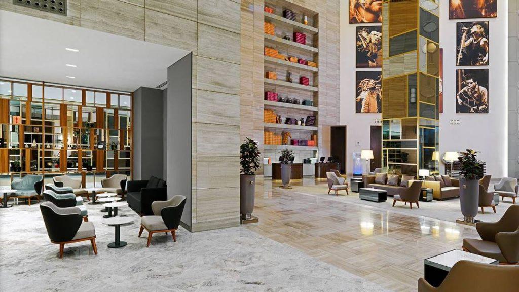 Холл отеля на первом этаже, Sheraton Hotel, Батуми, Грузия