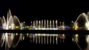 Фонтаны на озере, поющие фонтаны, Батуми, Грузия
