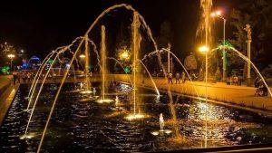 Вечерний вид фонтанов, поющие фонтаны, Батуми, Грузия